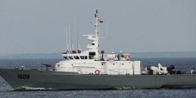 Armada realiza operativo de búsqueda de científico que cayó al mar en Aysén