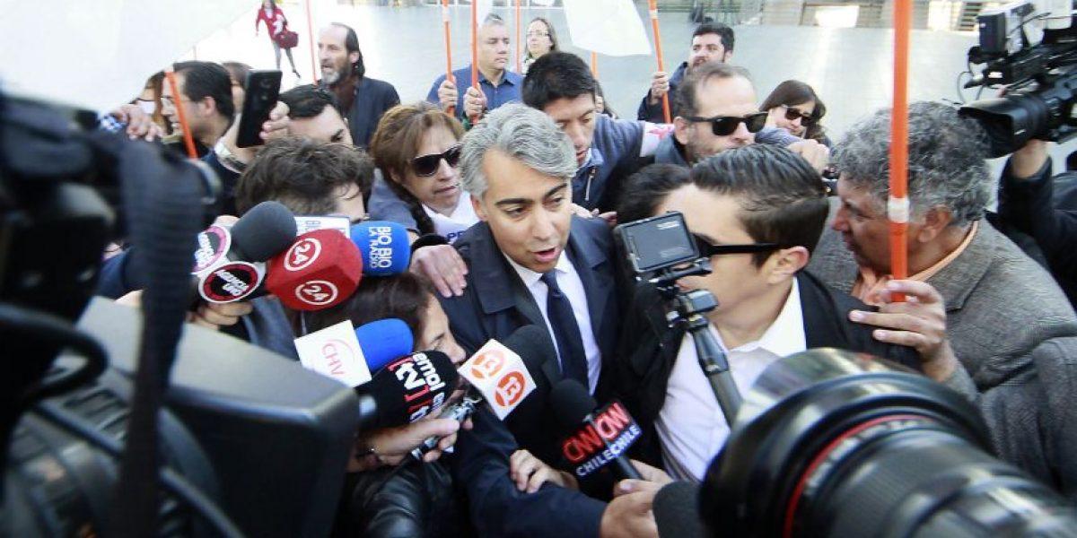 Caso SQM: Decretan firma quincenal y arraigo nacional para Marco Enríquez-Ominami y Cristián Warner