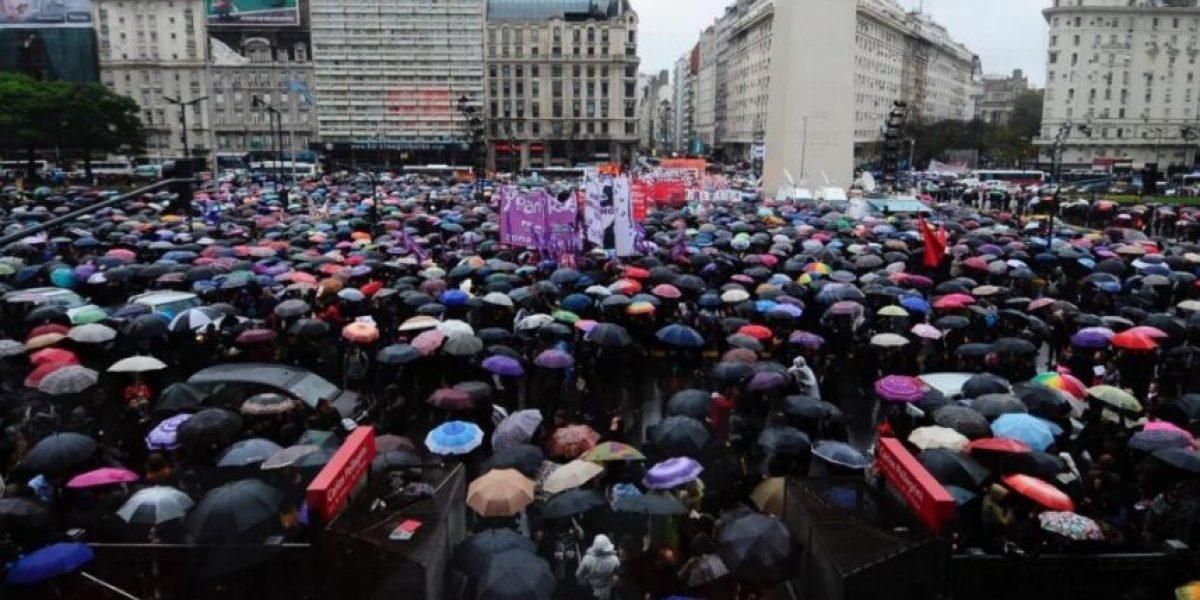 #NiUnaMenos: marcha en Santiago y Buenos Aires registró gran afluencia