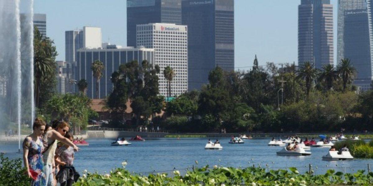 Aerolínea inicia operaciones de vuelo directo a Los Ángeles (EEUU)