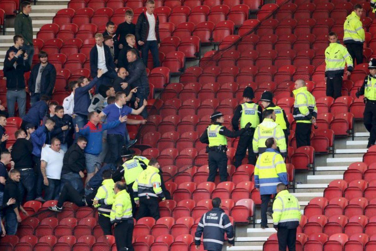 Leeds United no vive su mejor momento futbolístico. Sin embargo, en la época donde brillaron, sus hinchas fueron sembrando el terror alrededor de toda Europa. Hoy en día sus peleas son con la policía que los resguarda en los partidos de la segunda división inglesa. Foto:Getty Images. Imagen Por: