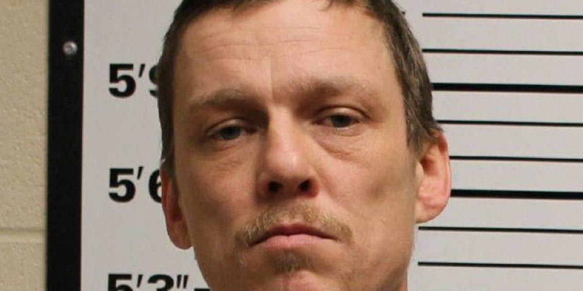 La curiosa razón de juez para sentenciar a 60 días de cárcel a padre que violó reiteradamente a hija de 12 años