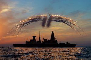 El destructor británico HMS Dragon que despachado al sur del Canal de la Mancha. Foto:AFP PHOTO/CROWN COPYRIGHT/MOD 2014/DAVE JENKINS. Imagen Por: