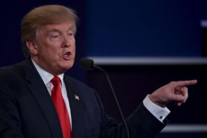 También habló sobre los escándalos que han sacudido su campaña en las últimas semanas. Foto:AFP. Imagen Por: