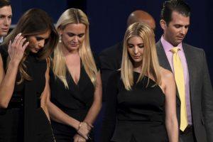 Trump estuvo acompañado por su esposa y sus hijos Foto:AFP. Imagen Por: