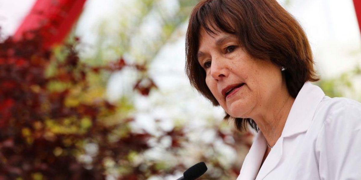 Minsal descarta influencias en compras de insumos tras millonaria licitación a hermana de ministra Castillo