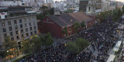 #NiUnaMenos:  Multitudinaria marcha se desplegó en Santiago