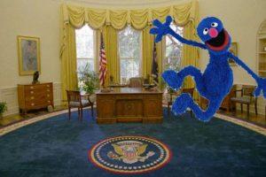 También el tema de la marioneta Foto:Twitter.com. Imagen Por: