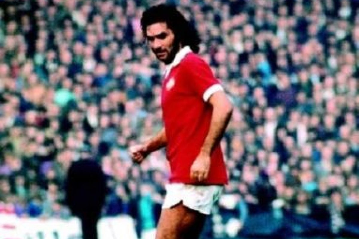 George Best: Football as Never Before (director: Hellmuth Costard-1971): Un retrato a la vida del futbolista más destacado de Irlanda del Norte. Un día con el delantero es la puesta en escena del documental.. Imagen Por: