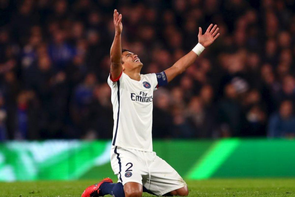 Thiago Silva. El defensa alcanzó un valor de 40 millones de euros. Ahora solo cuesta 16 millones Foto:Getty Images. Imagen Por: