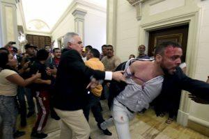Interrumpieron la sesión del pasado sábado Foto:AFP. Imagen Por: