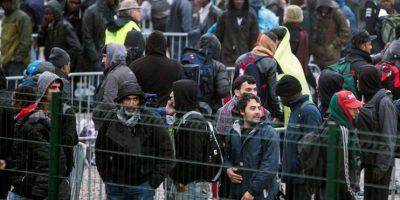 Francia inicia el desmantelamiento del campamento de migrantes de Calais