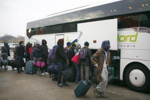 En total, entre 6.000 y 8.000 migrantes serán evacuados en un operativo que durará toda la semana. Unos 1.250 policías fueron movilizados para garantizar el buen desarrollo de la operación. Foto:Efe. Imagen Por: