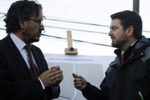 Carlos Cuadrado junto al intendente Claudio Orrego Foto:Agencia UNO. Imagen Por: