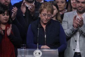 La Nueva Mayoría perdió varias comunas emblemáticas. La Presidenta Bachelet hizo un mea culpa. Foto:Agencia UNO. Imagen Por: