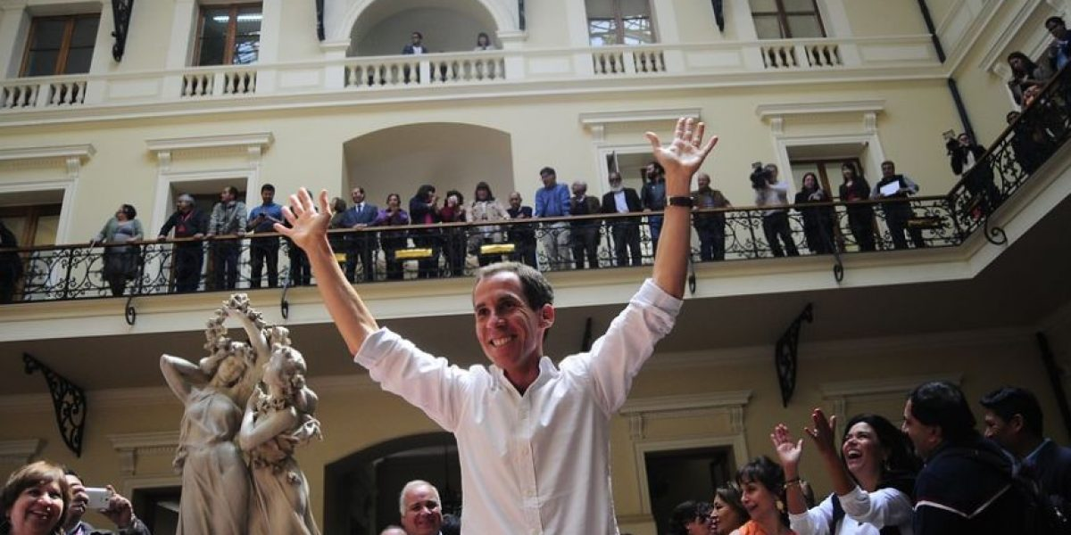 Alessandri descarta despidos masivos en Santiago: