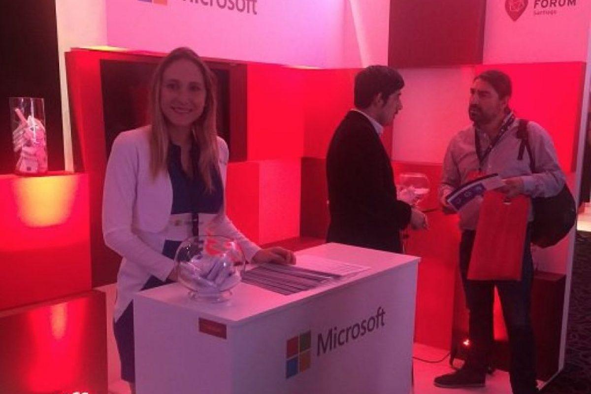 El Red Hat Forum Santiago, contó con stands de importantes empresas del mundo de hardware y el software, como por ejemplo, Microsoft, Lenovo, Dell y Cisco. Foto:Consuelo Rehbein. Imagen Por: