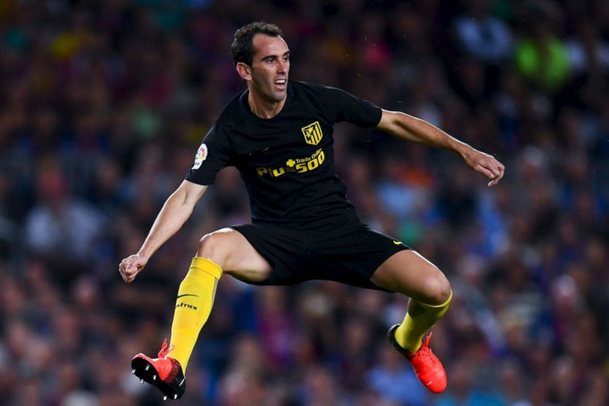 Diego Godín (defensor) Foto: Getty Images. Imagen Por: