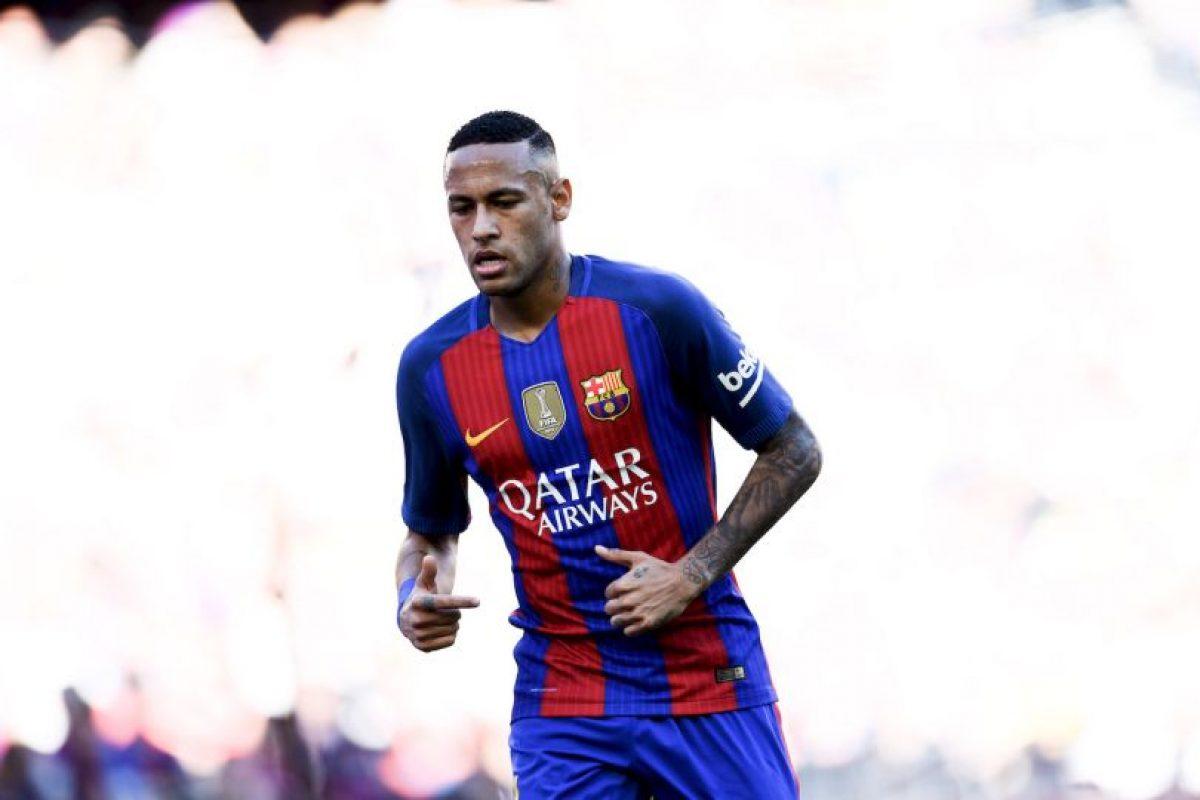 Neymar (FC Barcelona-Brasil): Pieza clave en la delantera de Barcelona, el brasileño ha destacado con goles y asistencias a sus compañeros de la MSN, Suárez y Messi. Además, comandó a Brasil a ganar el título que les faltaba: la medalla de oro en los Juegos Olímpicos Foto:Getty Images. Imagen Por: