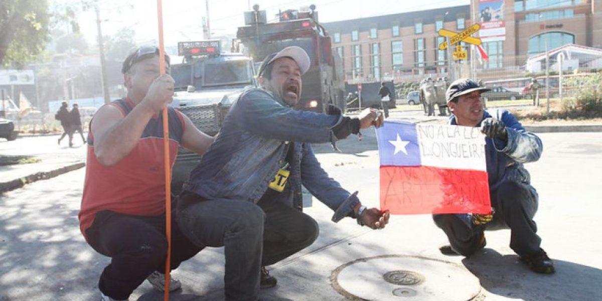 Protestas de pescadores artesanales contra la ley Longueira alcanzan rango nacional