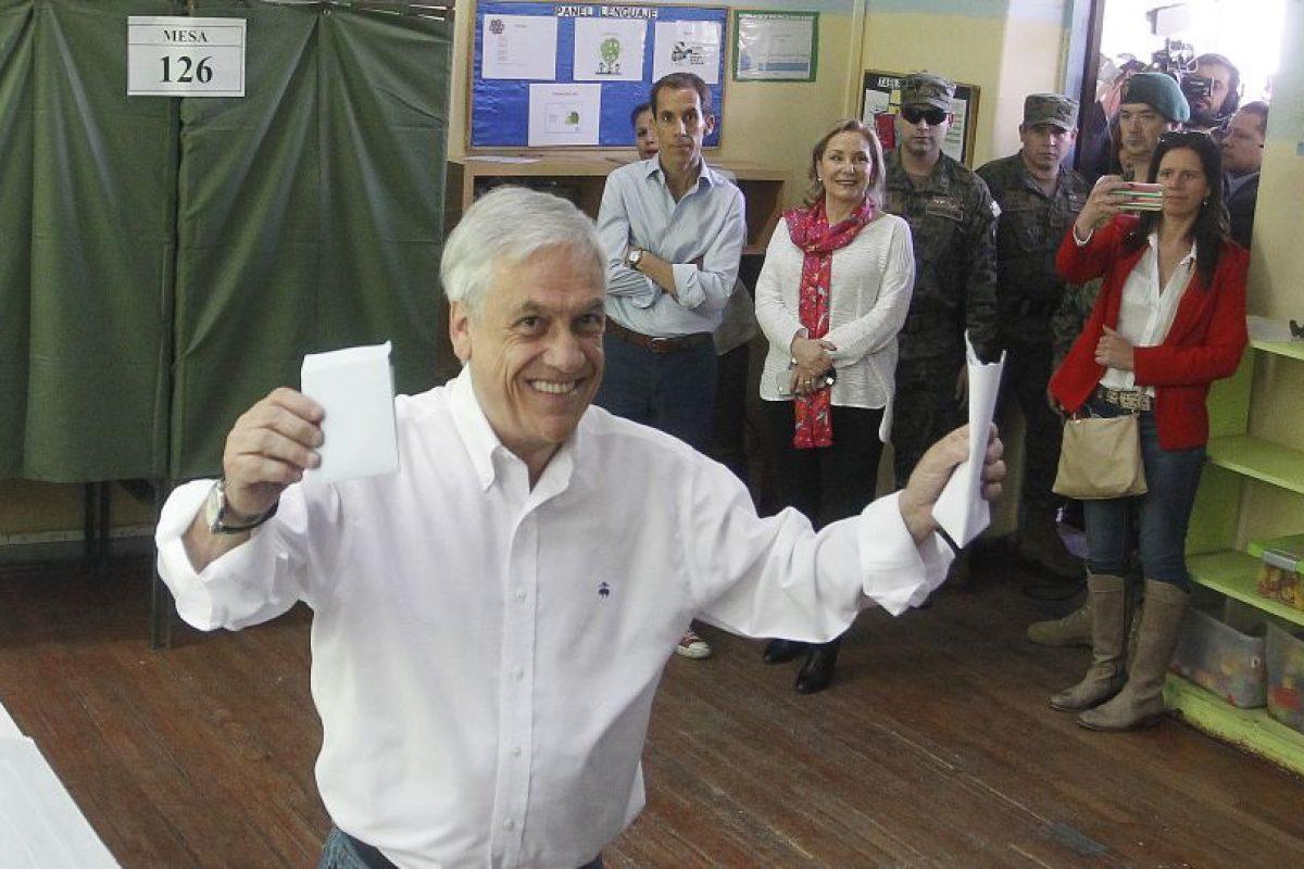 El ex Mandatario deja atrás a los presidenciables de la Nueva Mayoría, Ricardo Lagos y Alejandro Guillier. Foto:Agencia UNO. Imagen Por: