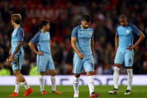 Ahora, para ahondar la crisis, cayeron ante Manchester United y fueron eliminados de la Capital One Cup. Foto:Getty Images. Imagen Por: