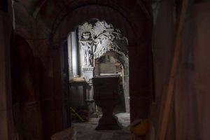 Arqueólogos pusieron al descubierto por primera vez en siglos la superficie original de lo que se cree es el lugar donde se enterró a Cristo. Foto:Efe. Imagen Por: