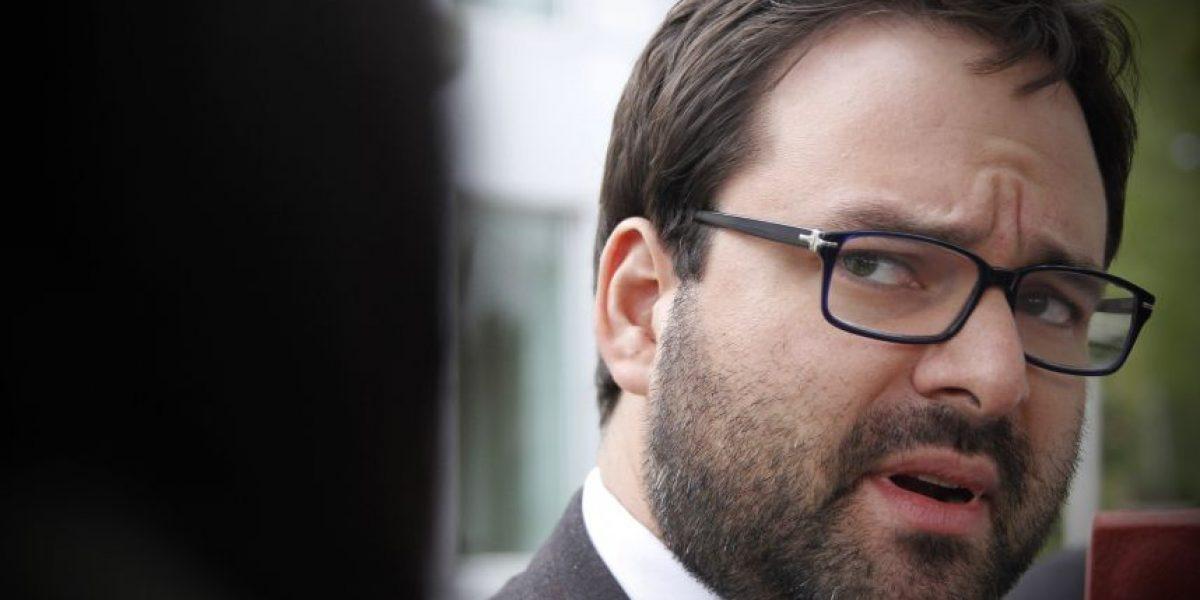 Director del Instituto Nacional de Derechos Humanos rebajó su sueldo de $4 millones