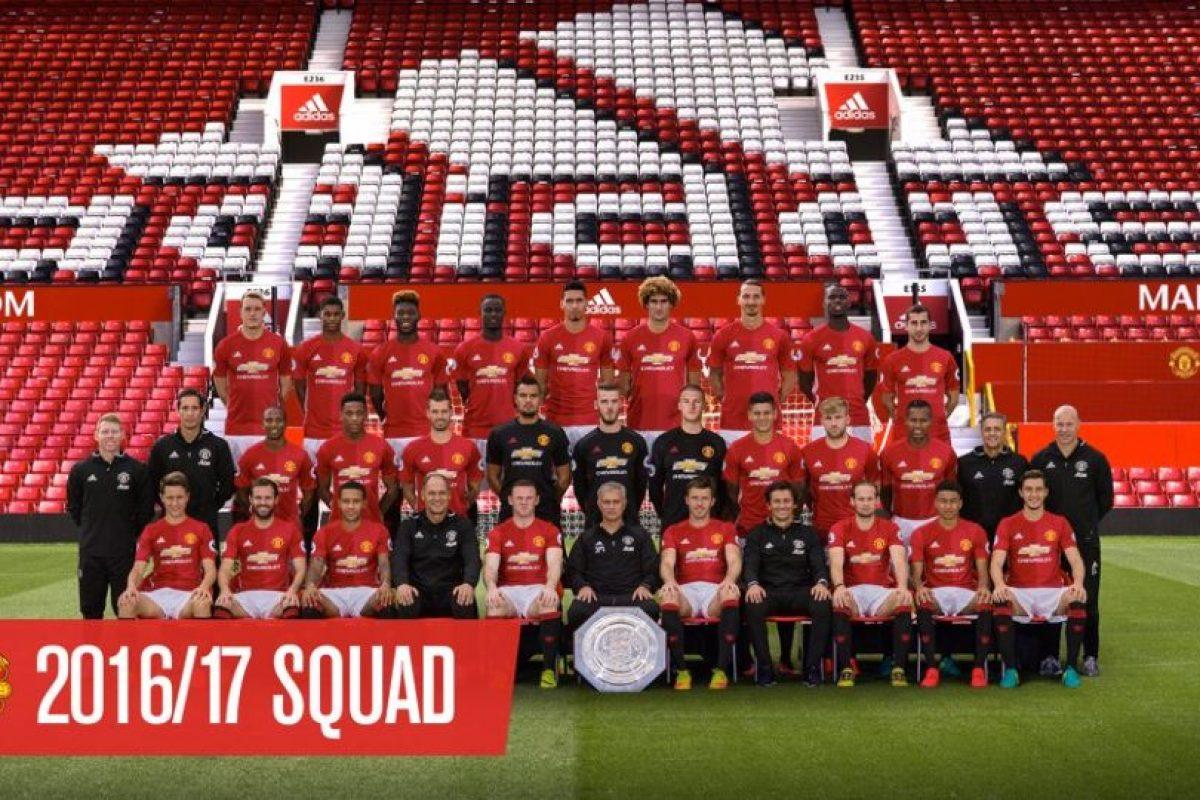 Bastian Schweinsteiger fue excluido de la fotografía oficial de Manchester United Foto:Twitter Manchester United. Imagen Por: