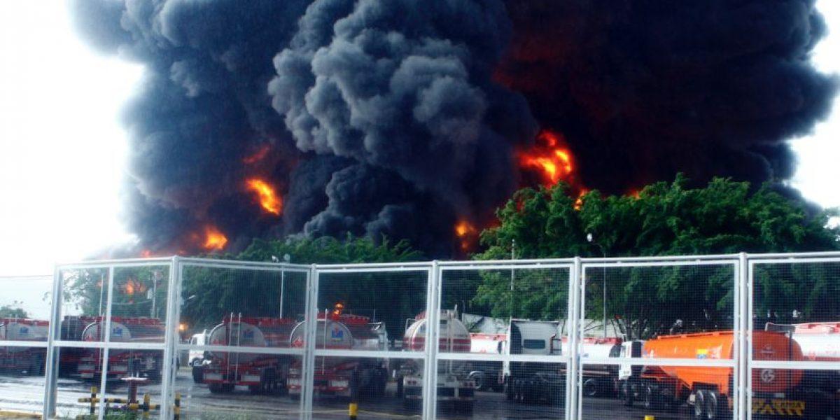 Incendio en refinería en Venezuela obligó a desalojar áreas vecinas