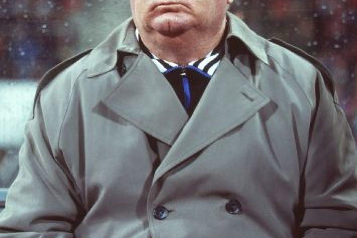 3.-Valery Lobanovsky (30 títulos): Histórico técnico de la URSS, sus grandes éxitos los cosechó en el Dinamo Kiev, donde obtuvo doce títulos locales, dos UEFA Cup Winners Cup, una Supercopa de Europa, nueve copas de Ucrania, tres Supercopa de la URSS. Foto:Getty Images. Imagen Por:
