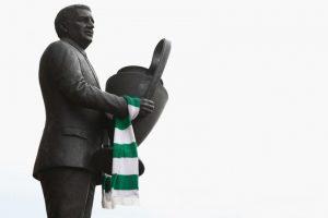 4.-Jock Stein (26 títulos): Histórico técnico de Celtic, sumó en los escoceses 10 torneos locales, una Champions League, ocho copas de Escocia y seis Copa de la Liga de Escocia. No por nada hay una estatua de él en el estadio de Celtic.. Imagen Por: