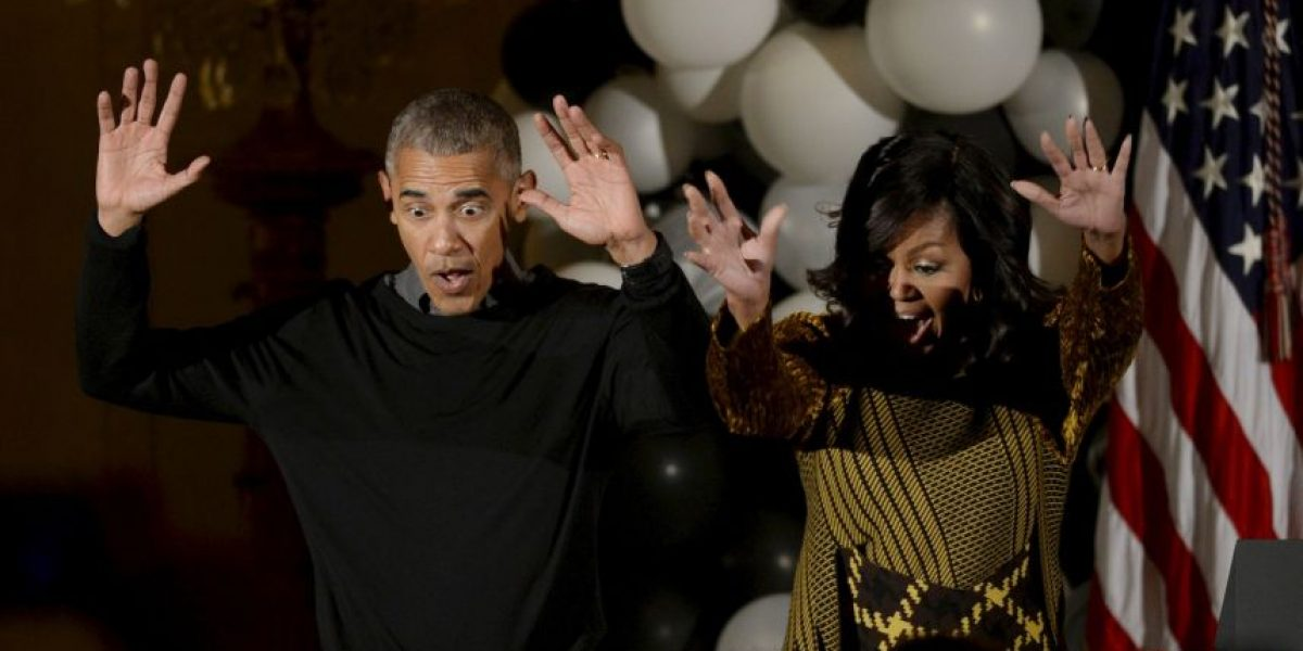 Barack y Michelle Obama bailan