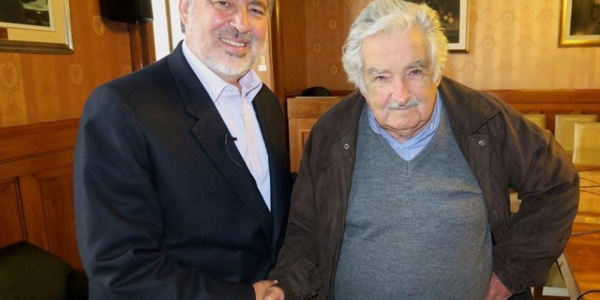 Guillier estrenó sitio web con video conversando con ex Presidente Mujica