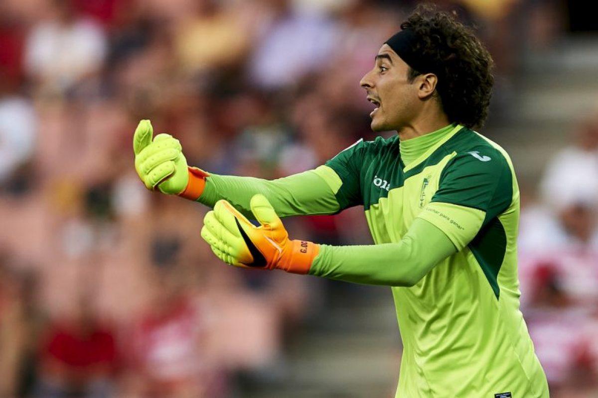Guillermo Ochoa. Aunque ha permitido una gran cantidad de goles, por fin es titular con Granada Foto:Getty Images. Imagen Por: