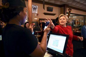 Hillary Clinton tuvo un evento en Cleveland, Ohio. Visitó un restaurante Foto:AFP. Imagen Por: