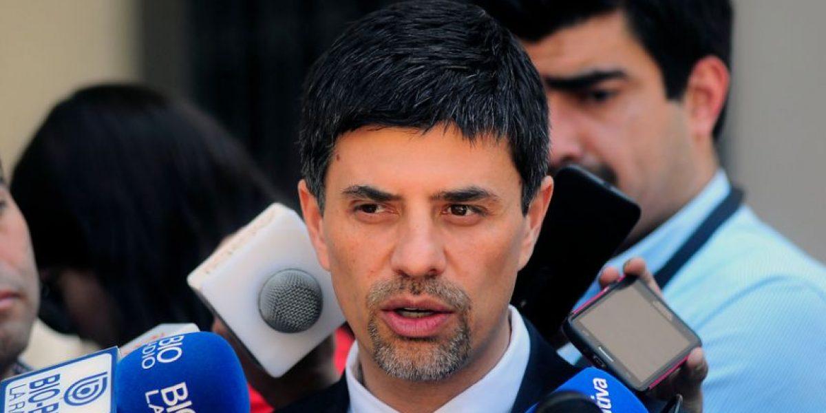 Gobierno respalda a Valdés por paro de funcionarios públicos:
