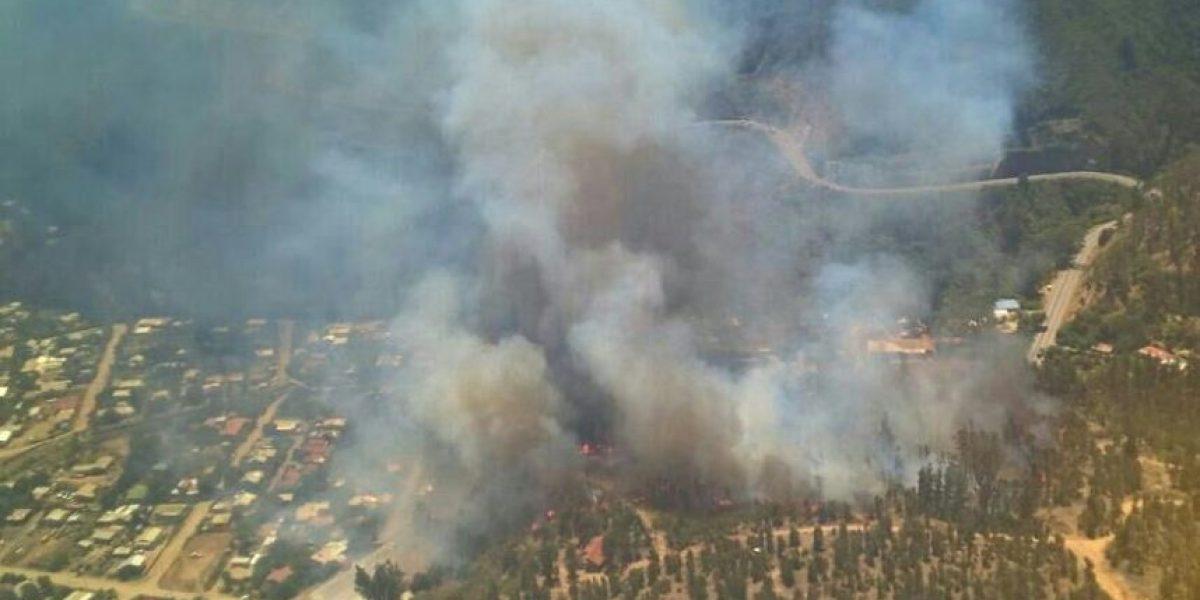 Valparaíso sufre incendios simultáneos