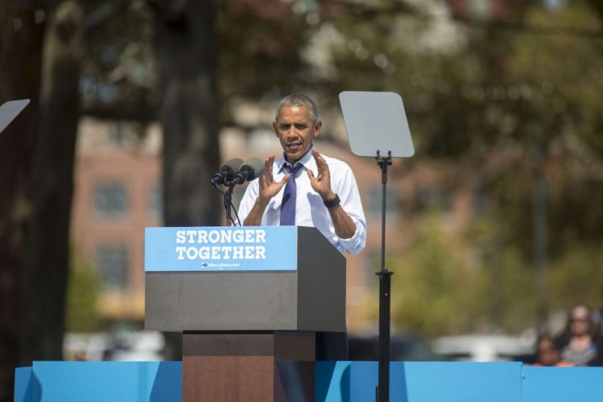 Esta semana se espera la reaparición de Hillary Clinton. Mientras tanto, en sus eventos de campaña estuvo el presidente Barack Obama Foto:Getty Images. Imagen Por: