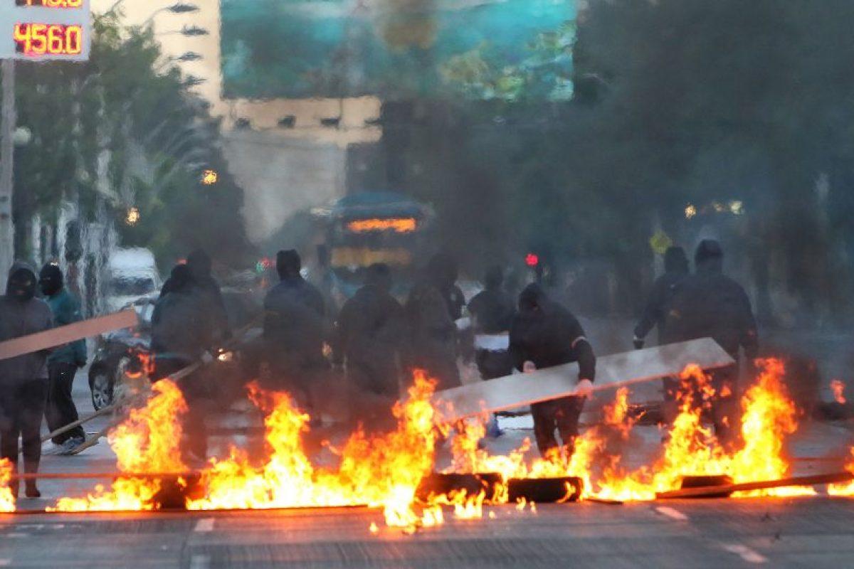 Se han reportado manifestaciones en Arica, Viña del Mar, Valparaíso, Copiapó, San Felipe, Concepción, Talcahuano, Temuco, Valdivia, Puerto Montt, entre otras ciudades. Foto:Aton. Imagen Por: