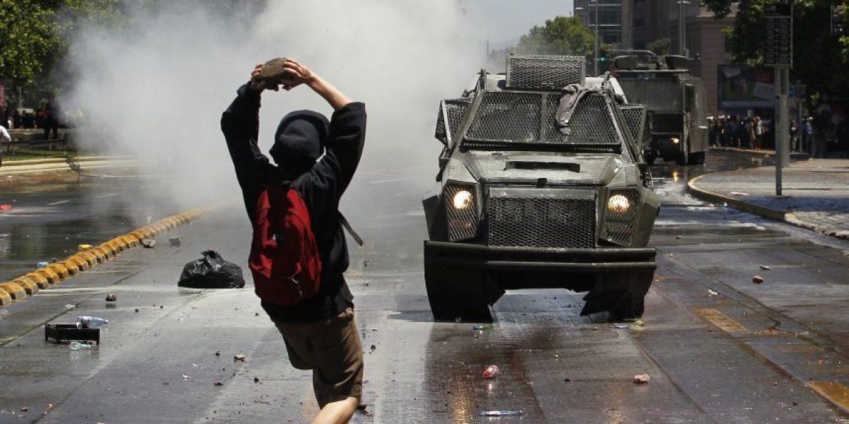 Incidentes aislados en el centro de Santiago durante manifestación por paro nacional