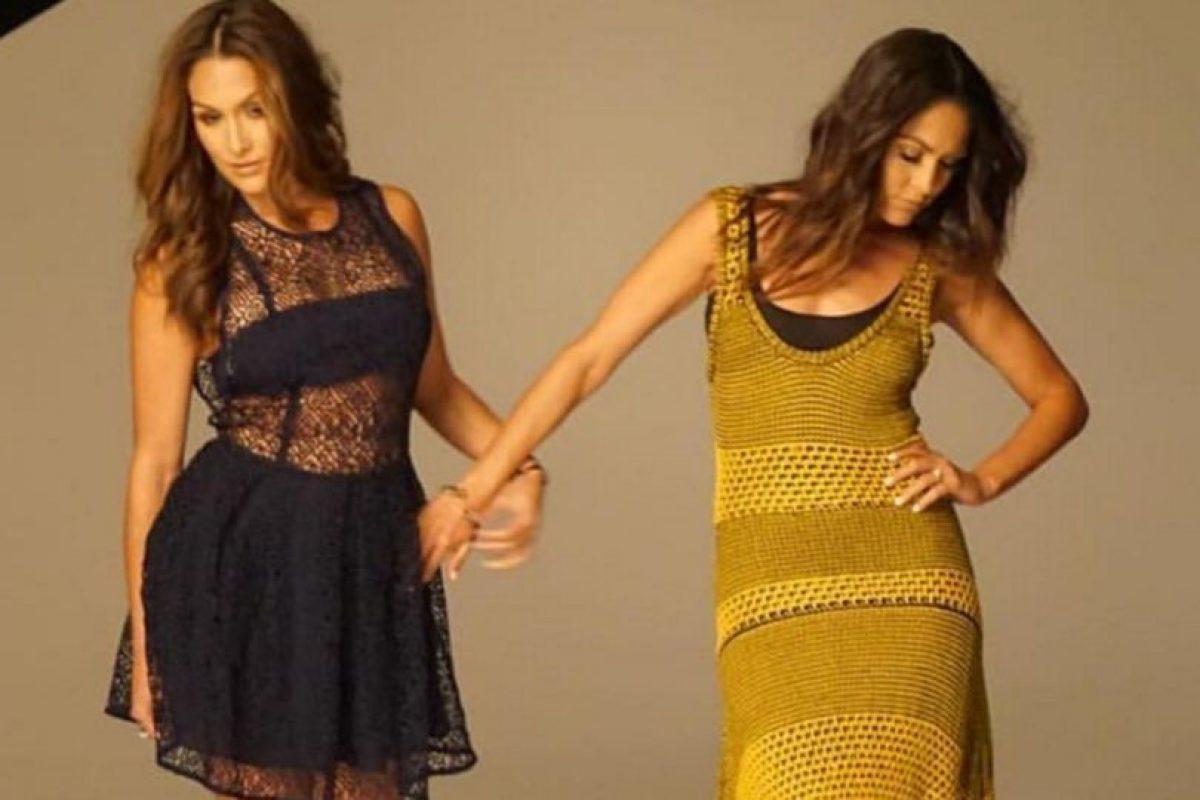 Miren las mejores imágenes de las redes sociales de The Bella Twins Foto:Instagram. Imagen Por: