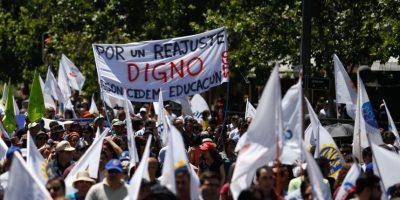 Gobierno descontará días no trabajados de funcionarios públicos