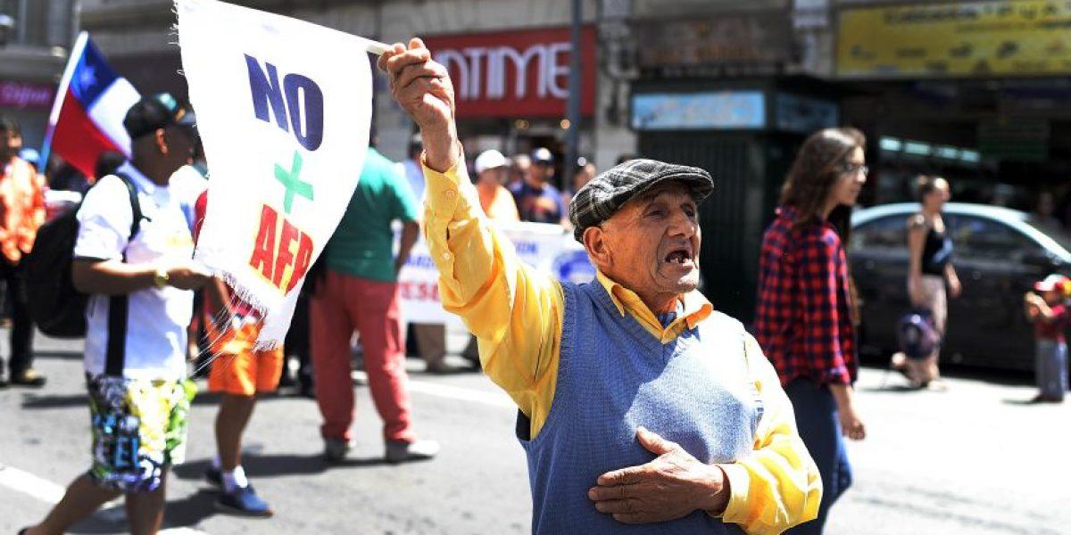 Reforma al sistema de pensiones divide a los presidenciables