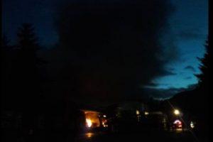 Image La totalidad de las personas del sector Puerto Chacabuco fueron evacuadas de forma preventiva hacia la comuna de Puerto Aysén, pese a que las llamas se encuentran controladas. Caption Foto:Twitter @primeraysen. Imagen Por: