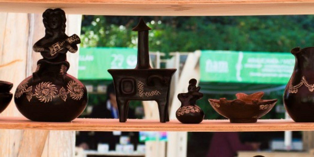 """Feria """"Aquí Hay"""" se tomará la Plaza de la Constitución con artesanía, turismo y productos campesinos"""