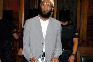 Nizar Trabelsi: El futbolista tunesino, que militó en el Fortuna Düsseldorf de Alemania, fue acusado y detenido en 2002 por tener relación con Al-Qaeda, después de los ataques del 11 de septiembre de 2001. Foto:AFP. Imagen Por: