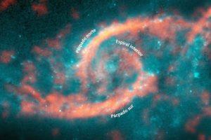 Las imagenes registradas desde el radiotelescopio Alma, permiten confirmar la teoría de colisión de galaxias. Foto:Reproducción radiostelecopio Alma. Imagen Por: