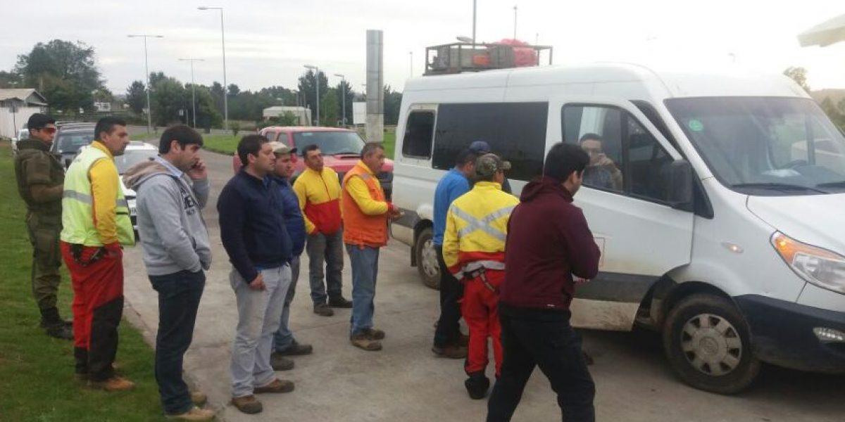 Encapuchados disparan contra furgones de trabajadores y queman camión en Tirúa