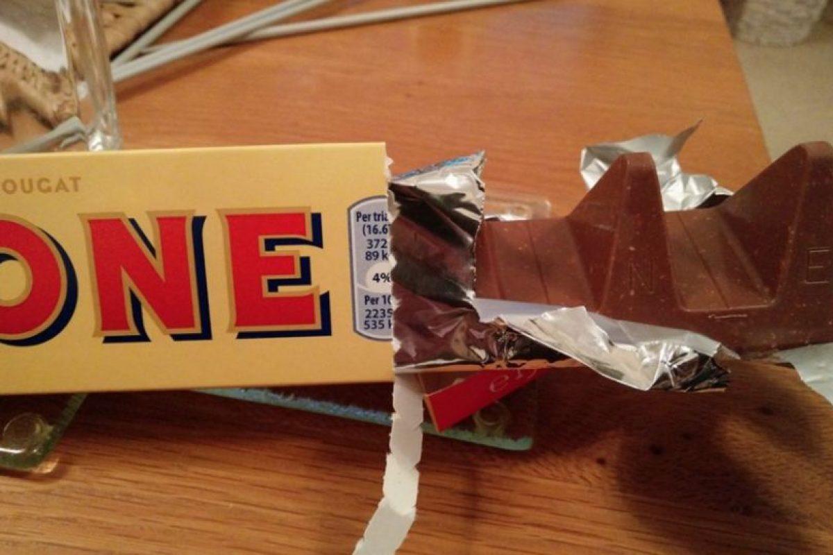Los ingleses se manifestaron por los cambios en las barras de 400 y 170 gramos de Toblerone. Foto:Reproducción. Imagen Por: